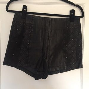 Sexy faux leather short shorts with studs sz 6